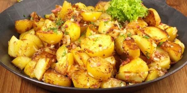 Pommes de terre saut es l 39 ail aux fourneaux - Pomme de terre grille a la poele ...